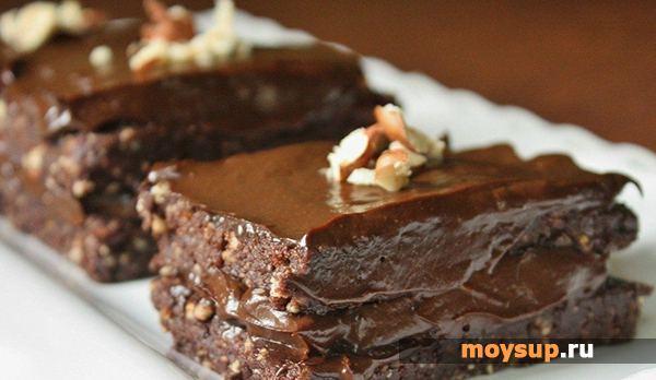 Шоколадный торт с орешками в мультиварке