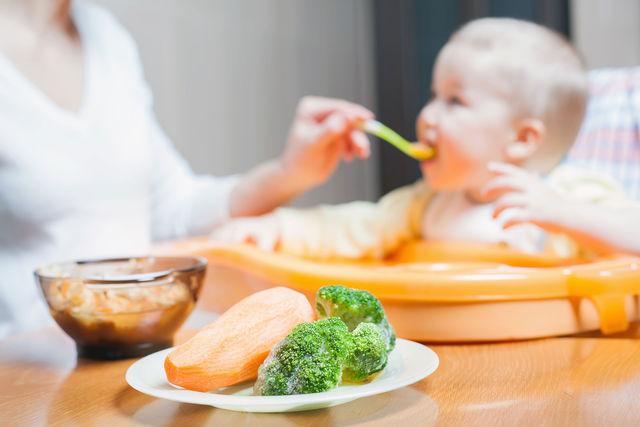 Главное, чтобы первое меню малыша было здоровым, умеренным и не причинило вреда