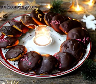 Пряники с повидлом и шоколадом (Pierniczki nadziewane)