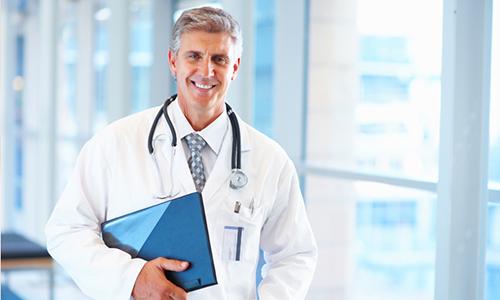 Специалист при первом посещении сможет определить заболевание по характерным для нее симптомам и без дополнительных анализов