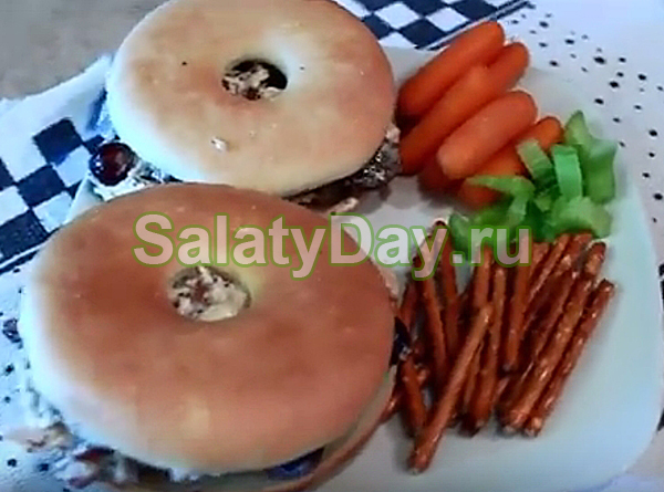 Куриный Салат Вальдорф (Chicken Waldorf Salad)