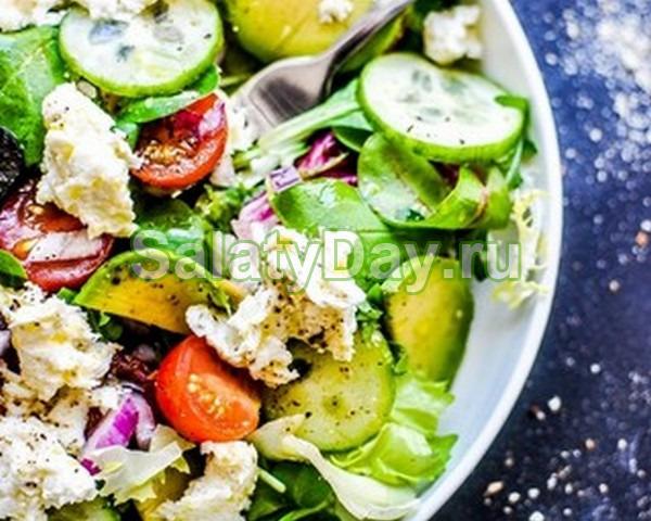 Салат со шпинатом, черри, огурцом и авокадо – здоровье в каждой ложке!