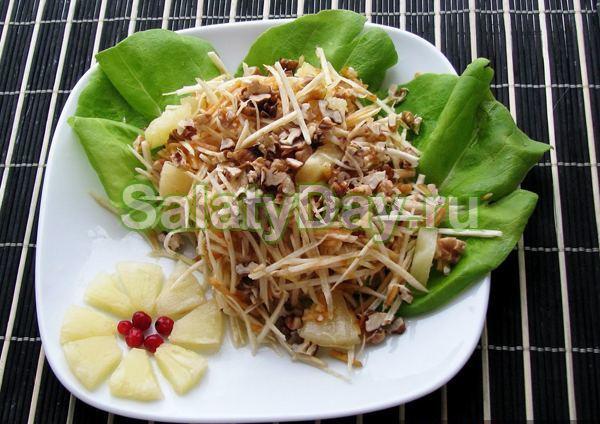 Аппетитный салат с ананасом