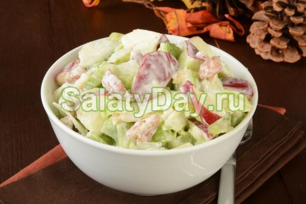 Салат с яблоком, сыром, яйцом и домашним майонезом