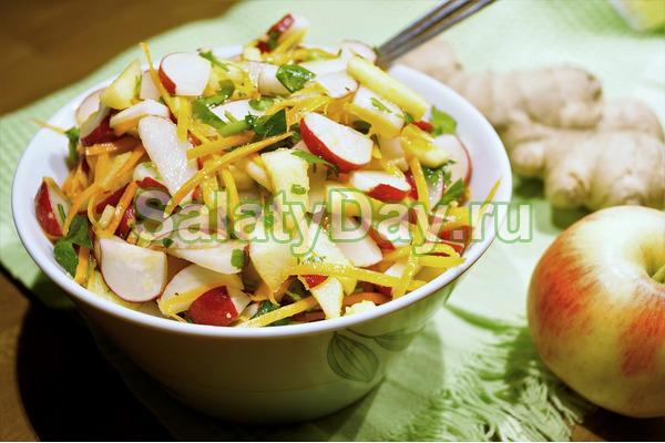Салат «Сочная морковка» с яблоком