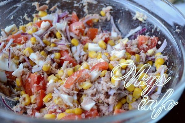 salat s tuncom i pomidorami 8