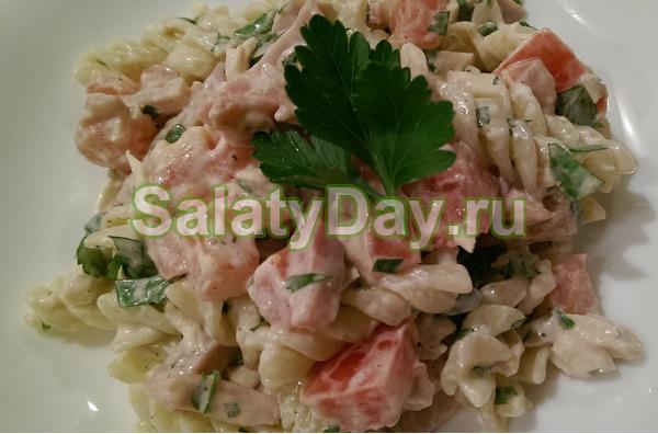 Салат с ветчиной и сыром и огурцами «Итальянский»