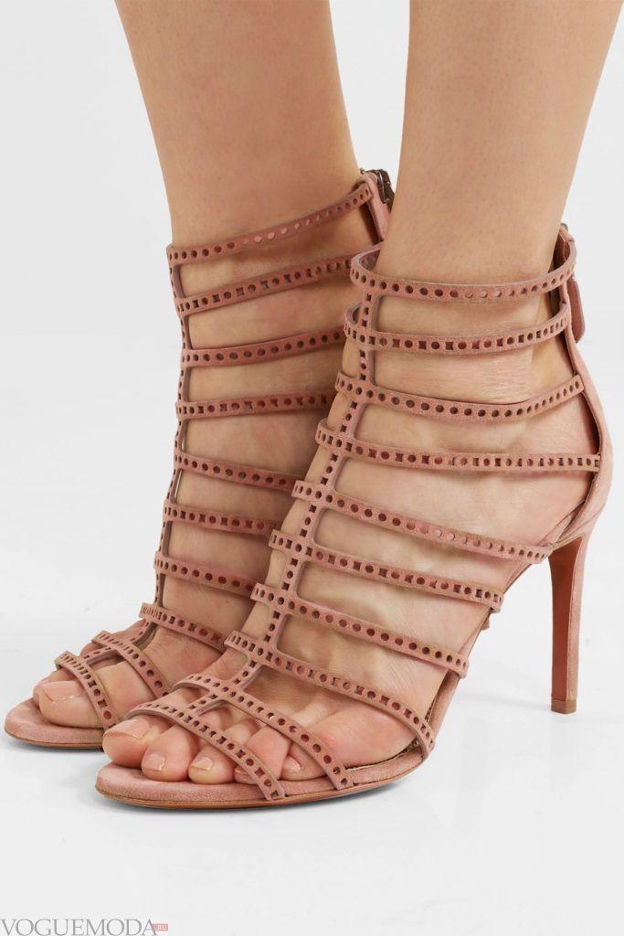 высокие гладиаторские сандалии на шпильке