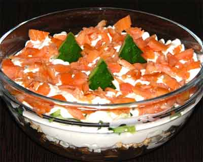 Салат-коктейль с рыбой и креветками