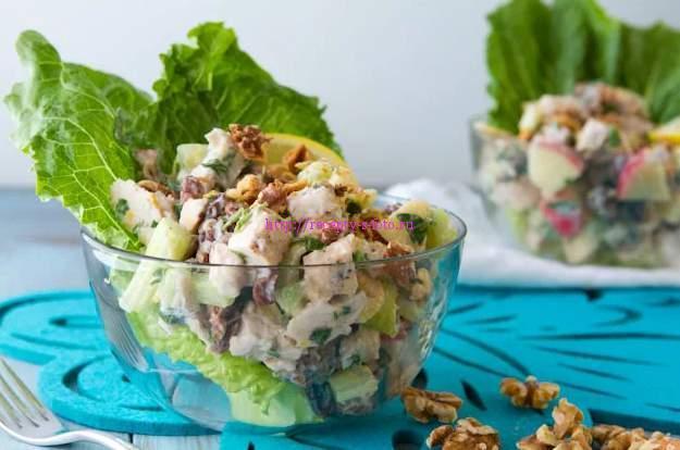 салат в креманках