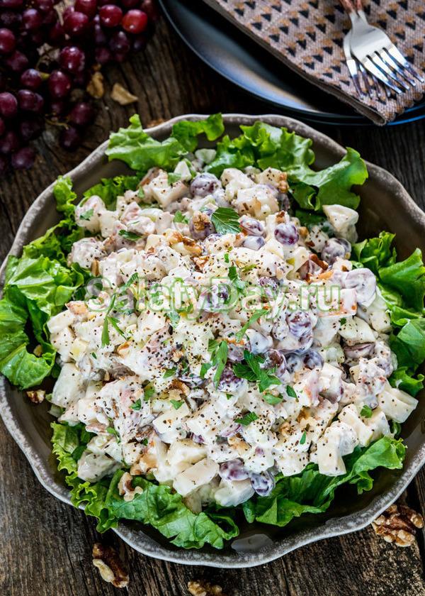Сливочный курино-яблочный салат