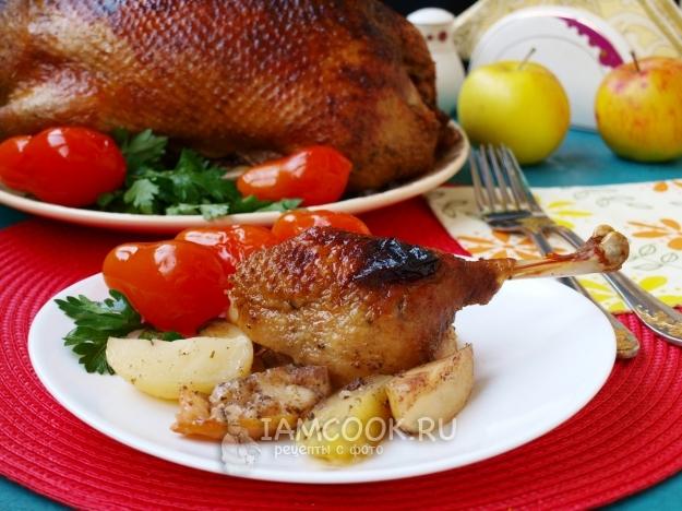 Фото утки, фаршированной картофелем