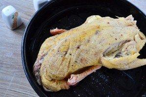 Фаршированная утка в духовке - фото шаг 5