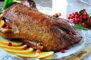 Фаршированная утка в духовке - фото шаг 7