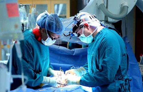 В некоторых случаях, чтобы избавиться от язвы, нужно провести хирургическую операцию