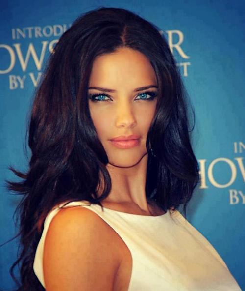 Элегантный вечерний макияж для голубых глаз