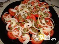 Приготовление салата с помидорами, капечами и сыром: шаг 8