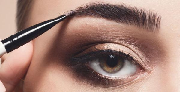 Как красиво накраситься. Уроки макияжа для начинающих пошагово в домашних условиях