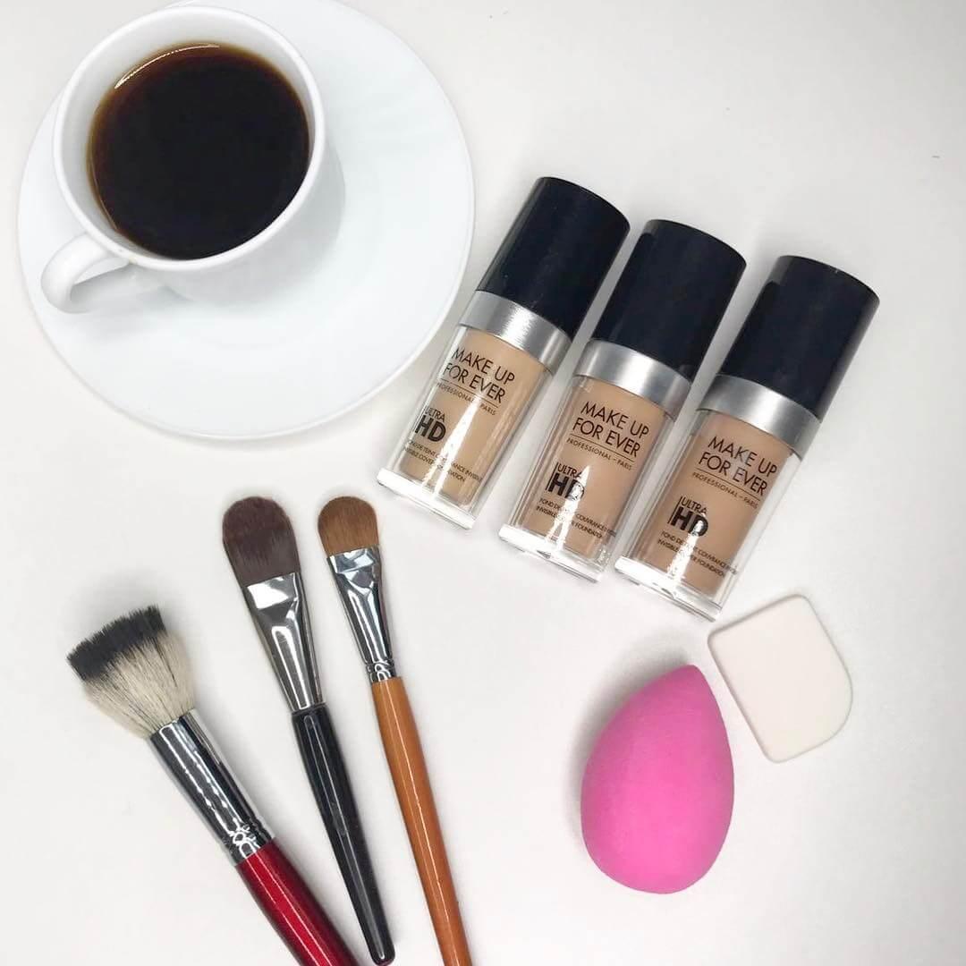 Какую выбрать кисть для тонального крема, чтобы добиться идеального макияжа